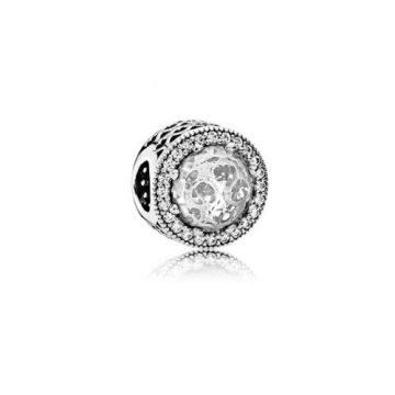 Pandora Ragyogó szív charm 791725CZ
